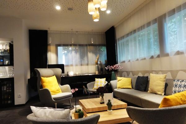 salon2-hotel-kncF6305721-5D63-6685-B9E7-07DC98564EC8.jpg