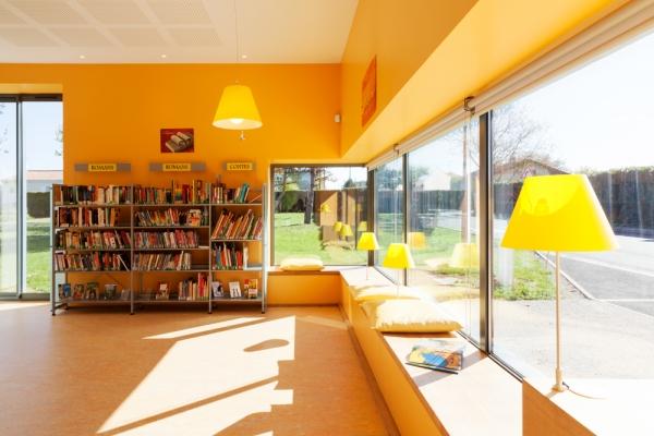 bibliotheque-1D7F3A74D-C082-D892-8877-5BECCA89EDB0.jpg
